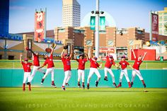 We could do this in softball! Baseball Team Pictures, Volleyball Pictures, Sports Pictures, Senior Pictures, Volleyball Quotes, Volleyball Gifts, Cheer Pictures, Golf Quotes, Baseball Banner