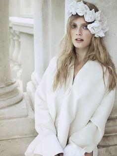 constance jablonski | Constance Jablonski by Alex Cayley for Vogue Spain | FashionInTheZone