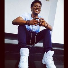 #Godwin!!! 'Rave Of The Moment' Korede Bello Shuns Critics As He Performs In Church Once Again - http://www.77evenbusiness.com/godwin-rave-of-the-moment-korede-bello-shuns-critics-as-he-performs-in-church-once-again/