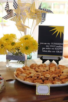 In this wonderful life...: You Are My Sunshine {Baby Shower}