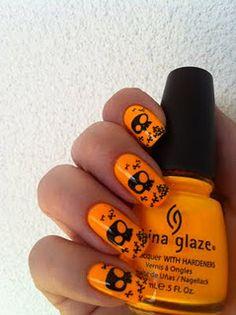 Halloween orange and black skulls