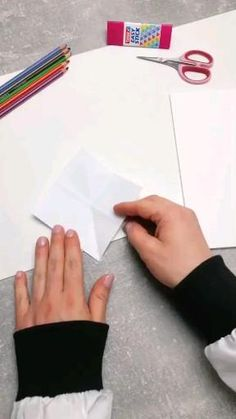 Diy Crafts Hacks, Diy Crafts For Gifts, Diy Home Crafts, Crafts To Do, Diys, Magic Crafts, Cool Paper Crafts, Paper Crafts Origami, Cute Crafts