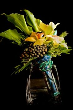 Photo by Michael Andrews Photography. Flowers by Flowers by Susan, Simi Valley, CA.