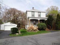 11 MANISTEE St. East Greenbush, NY $174,900 3-Bedrooms 2-Baths Colonial: 2 stall garage, fam rm, FDR, wood stove more pixs at: http://goo.gl/j14cz http://RENY.net #Real Estate New York