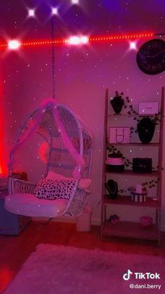 Indie Room Decor, Cute Bedroom Decor, Room Design Bedroom, Teen Room Decor, Room Ideas Bedroom, Bedroom Inspo, Girl Apartment Decor, Hippie Bedroom Decor, Hippie Bedrooms