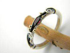 Garnet sterling silver ring organic band14k gold by nikiforosnelly #SterlingSilverBoho