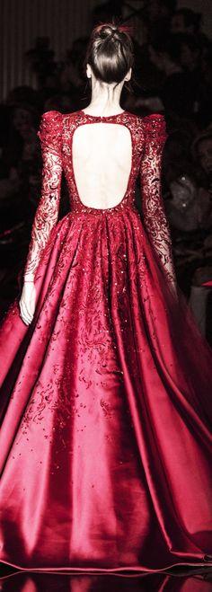 "runwayandbeauty: ""Back Detail: Zuhair Murad Spring 2017 Couture. Couture Mode, Couture Fashion, Runway Fashion, Girl Fashion, Fashion Design, Couture Dresses, Fashion Dresses, Red Gowns, Beautiful Gowns"