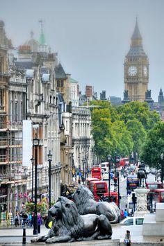 London Lions in Trafalgar Square