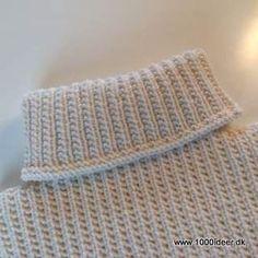 Endnu en halsedisse til svigermor men denne gang er den strikket oppefra og ned. Der er gået 3 nøgler garn til af Hjertegran, Extrafine merino 120. Der er anvendt rundpind nr. 3½.