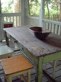 Table and Dough Bowl OMG I LOVE that table!!! This makes me think of shelling peas as a kid on my granny's back porch!!! Bowl and all!!#