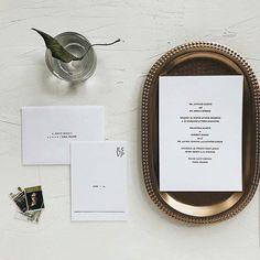 Elegant minimal and chic wedding invitations from @pressddpaperie  . . . #etsystationery #weddinginvitations