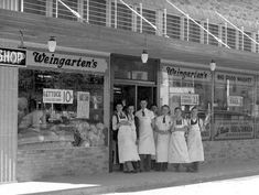 Grocers await the public outside the just-opened second location of Weingarten's in downtown Houston, 1920 Uss Houston, Edge City, Texas History, Local History, San Jacinto, Black Eyed Susan, Photo Essay, Countryside, Places To Visit