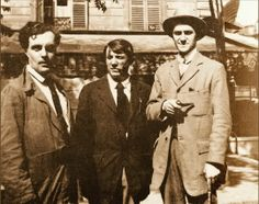 In front of a cafe in Montparnasse, Paris - painter Modigliani, Picasso, writer Andre Salmon