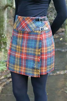 Our tweed billie skirts are all made in Scotland from wool. They are cotton lined at the waist for added comfort and come with a standard chrome kilt pin. Length is approximately 17 inches. Available in Antique Buchanan (shown) and Antique Black Wa Tartan Mode, Tartan Plaid, Cute Skirts, Plaid Skirts, Modest Fashion, Fashion Outfits, Fashion Trends, Hijab Fashion, Tweed