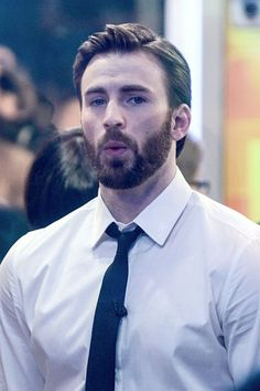 Chris Evans on the set of 'Good Morning America' on March 31, 2014 in New York City #ChrisEvans