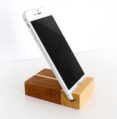 Equipa de design profesional in 3D pentru mobila la comanda in atelier tamplarie profesional la preturi acesibile cu executie si livrare de calitate. #satumare #mobilalacomanda #tamplariesatumare #ateliertamplarie #mobilalacomandasatumare