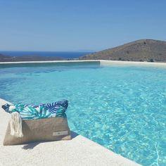 The HonuStudio pouch in the beautiful Kea island in Greece!