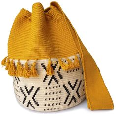 The stunning, one-of-a-kind Wayuu bag has been carefully crocheted by indigenous women from the desert of La Guajira, Colombia. Tapestry Bag, Tapestry Crochet, Knit Crochet, Crochet Round, Crochet Bags, Mochila Crochet, Ethnic Bag, Handmade Bags, Beautiful Bags