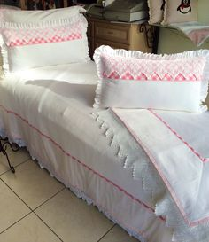 Pike takımı Bad Cover, Bedroom Styles, Pillow Design, Bed Spreads, Home Textile, Luxury Bedding, Bed Sheets, Bedding Sets, Bed Pillows