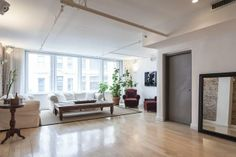 A peek inside East Street in New York from onefinestay New York Vacation, New York Travel, Rental Apartments, Interiors Magazine, Apartment Bedroom Decor, Inviting Home, Luxury Services, Serviced Apartments