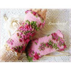 Stulpen aus hochwertigem Woll-Walk in Rosa mit floralem Muster in Rot-Grün. - 17,90€