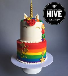 Unicorn Cake with rainbow colors Pastel de unicornio con colores del arcoiris Rainbow Unicorn Party, Rainbow Birthday Party, Unicorn Birthday, 5th Birthday, Birthday Ideas, Salty Cake, Savoury Cake, Cute Cakes, Creative Cakes