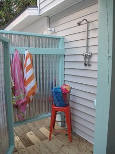 Shower off salt water & sand getting in pool & hot tub.Jane Coslick Cottages : A Beach House circa 1930 Tybee Island Beach Cottage Style, Coastal Cottage, Beach House Decor, Home Decor, Outdoor Baths, Outdoor Bathrooms, Outdoor Kitchens, Outdoor Rooms, Outside Showers