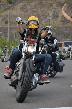 ❤️ Women Riding Motorcycles ❤️ Girls on Bikes ❤️ Biker Babes ❤️ Lady Riders ❤️ Girls who ride rock ❤️ TinkerTailorCo ❤️