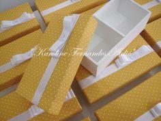 Caixa para 2 bem casados **** Tecidos e fitas personalizados de acordo com gosto do cliente. R$ 12,00