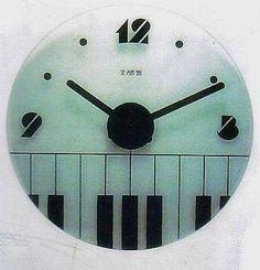 ~上典家具~精品*特價*時尚藝術造型掛鐘.玻璃.鍵盤.樂譜..2款. 名設計師 起標價格  $1,500 /