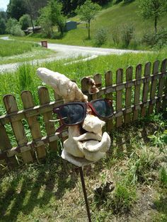 Kunstfest am Kunst-Arbeitshof bei Fam. Exhibitions, Garden Sculpture, Clay, Shades, Events, Glasses, Outdoor Decor, Pictures, Art