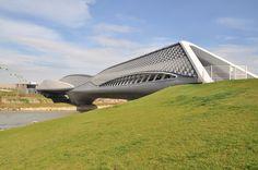 Bridge Pavilion / Zaragoza, Spain / Zaha Hadid (2008)