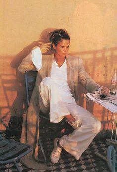 Helena Christensen in de Sable et de Soie, Vogue Paris May 1994 (photography: Pamela Hanson, styling: Marie-Amelie Sauve) via fashioned by love