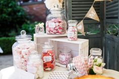 Vintage wedding at Basthorst Castle by freiraumfotografie - Lieschen is getting married - wedding planner - Healt and fitness Décoration Candy Bar, Candy Buffet, Luxury Wedding Cake, Our Wedding, Wedding Candy, Wedding Gifts, Candy Bar Vintage, Diy Vintage, Bridal Shower Decorations
