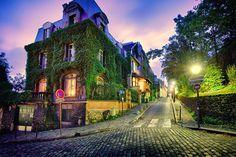 Décembre: Paris, France - Photo: Robert Gabriel