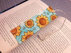 Aquarell Sonnenblume Lesezeichen – Kim Kjerulf – Join in the world of pin Creative Bookmarks, Cute Bookmarks, Bookmark Craft, Bookmark Ideas, Handmade Bookmarks, Bookmarks Quotes, Paper Bookmarks, Corner Bookmarks, Handmade Books
