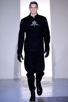 The Mugler 2013 F/W Collection Explores New Textiles #mensfashion #fashiontrends