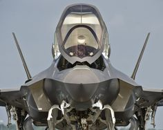 enrique262:  Lockheed F-35B Lightning II  Jesús I posted this one with the wrong manufacturer, all those reblogs with McDonnell Douglas instead of Lockheed…