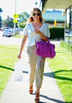 I have always loved this simple look by Lo Bosworth