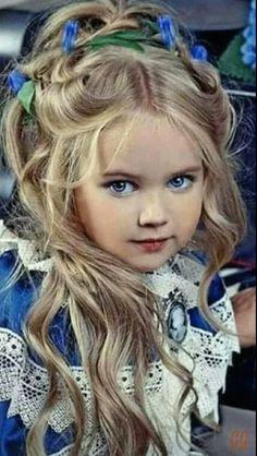 0c21b5b8297332 81 meilleures images du tableau princesse   Beaux enfants, Enfants ...
