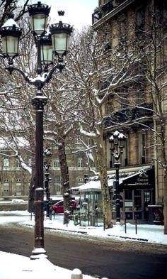Winter.. Paris, France