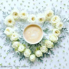 Oct.27.2016 ・ Today's tea time☕️♡ Tea latte with white roses♡ ・ ・ ・ 昨日は結婚記念日だったので、部屋中に 好きなお花を飾りました♡ これからはそのお花たちで少しずつ 作品をつくります♡ 今日はハート ・ ・ ・ ・ ・ ・ #mystory_cups  #coffeeandseasons  #tv_stilllife  #still_life_gallery  #9vaga_shabbysoft9  #cups_are_love  #tv_living  #tv_lifestyle  #tv_allwhite  #transfer_visions  #rsa_vsco  #tv_closeup  #inspiredbypetals  #momentsofmine  #styleonmytable  #petalsandprops  #sunday_sundries  #naughtyteas #coffeeloveandflowers  #mypastelcharm…