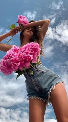 Fashion Magazin, Summer Looks, Amazing Art, Summer Outfits, American, Beautiful, Instagram, Ootd, Peonies Bouquet