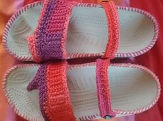 Upcycled, revamped, redecorated - crochet Crocs, DIY