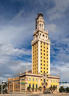 A Landmark Building on Biscayne Blvd in the Downtown Miami area, where Cuban refugees fleeing to Miami in the were processed stateside Visit Florida, Old Florida, Vintage Florida, Miami Florida, South Florida, Miami Architecture, Revival Architecture, Cuba, Bauhaus