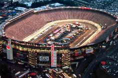 Bristol Motor Speedway ~ AmAzInG place to watch a race!!