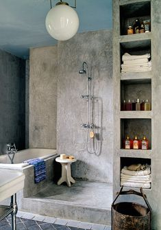 Check Out 41 Concrete Bathroom Design Ideas To Inspire You. Concrete is a super popular material due to its durability, modern look and budget-friendliness. Bathroom Design Inspiration, Bad Inspiration, Design Ideas, Douche Design, Open Showers, Shower Plumbing, Concrete Bathroom, Concrete Shower, Stone Bathroom