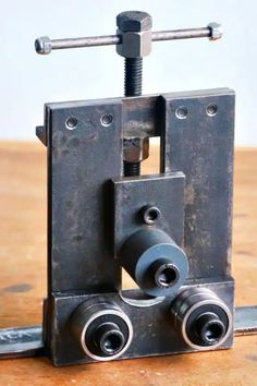 Metal Bending Tools, Metal Working Tools, Metal Tools, Diy Welding, Welding Tools, Welding Projects, Woodworking Projects, Sheet Metal Bender, Sheet Metal Art