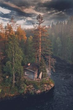 Cabin in eastern Finland bykpunkka Good Vibes Heal Affirm. Cabins In The Woods, House In The Woods, Forest House, Cabins And Cottages, Belle Photo, The Great Outdoors, Nature Photography, Beautiful Places, Scenery