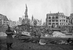 El infierno de Dresde tras el bombardeo de 1945. Serie de fotografías.